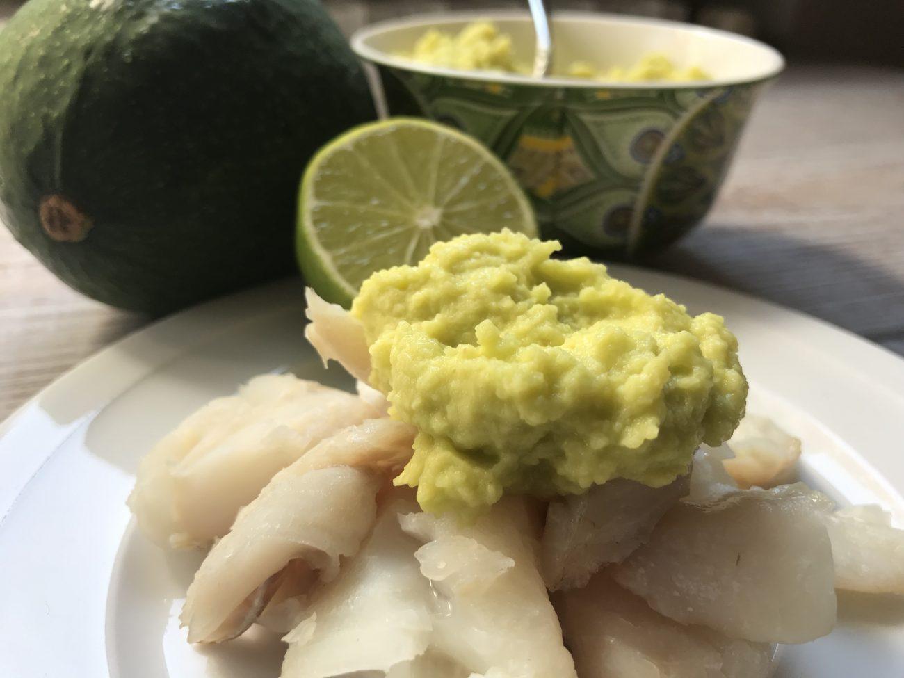 Merluzzo cotto al vapore con salsa all'avocado