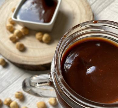 Crema vegetale spalmabile alla nocciola e cioccolato