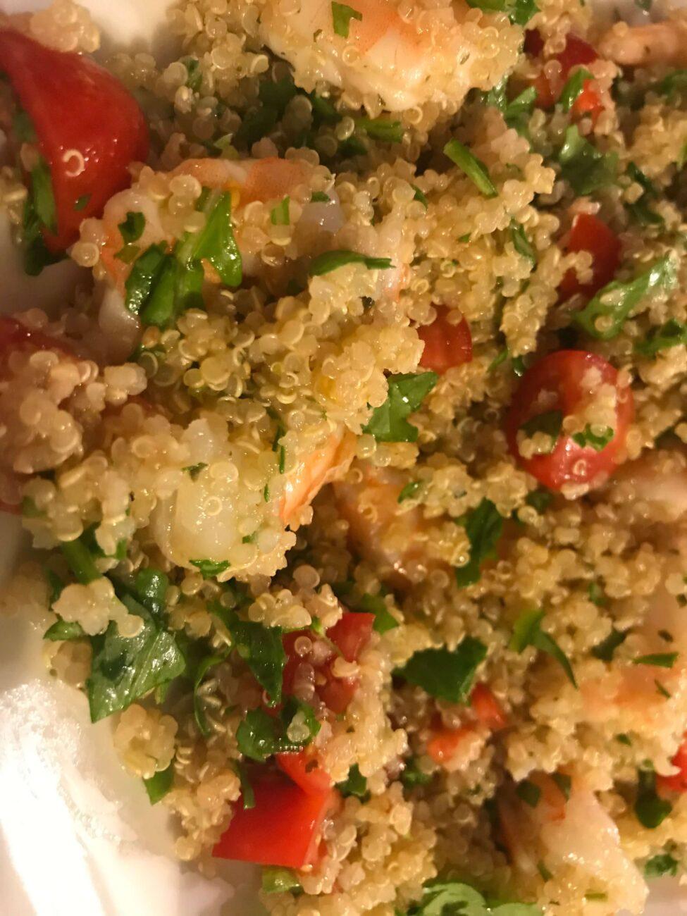 Quinoa con gamberetti pomodorini e rucola